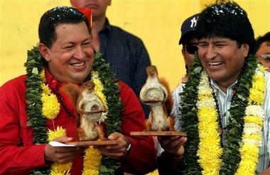 Chavecito and Evo drive los escualidos squirrely!