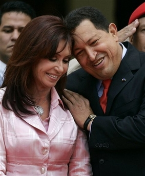 Cristina Kirchner and Chavecito have an endearing moment