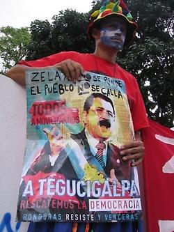 venezuelan-pro-zelaya.jpg